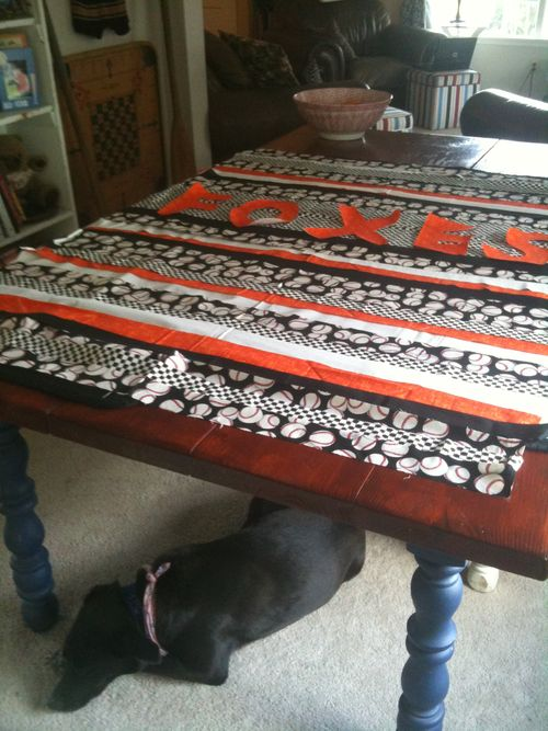 Foxes quilt laid out 018