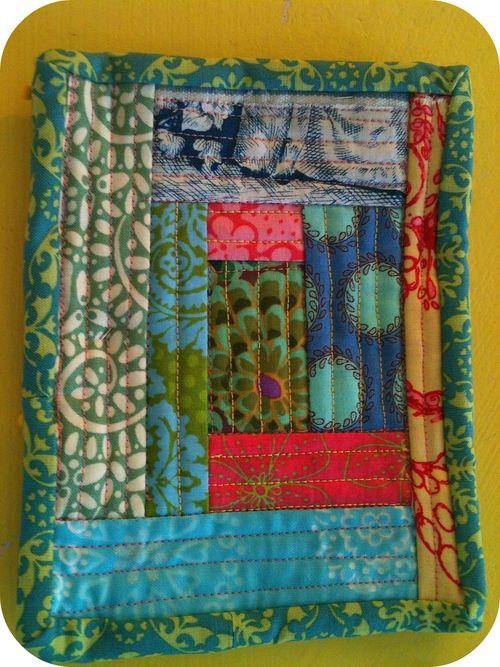 Log cabin potholder blue green edge